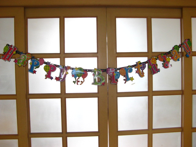 "12 Balloon ""Happy Birthday"" Letter Banner Party"