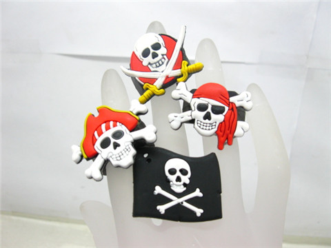 50 Fancy Dress Rubber Pirate Skull Rings Assorted